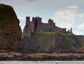 Private Tour to Tantallon Castle from Edinburgh