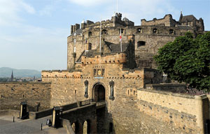 Royal Mile and Edinburgh Castle Walking Tour