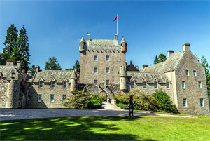 Cawdor Castle Private Tour from Inverness
