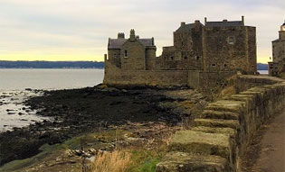 The Outlander, Palaces and Jacobites Day Tour from Edinburgh