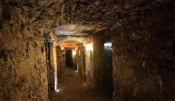 Private Shore Excursion To Edinburgh Underground Vaults